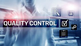 Contr?le de qualit? et assurance ?talonnage garantie normes Concept d'affaires et de technologie photographie stock