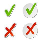Contrôle et autocollants de vecteur de X illustration stock