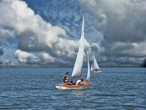 Contra un viento Imagen de archivo libre de regalías
