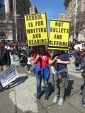 Contra violencia armada en escuelas Fotos de archivo libres de regalías