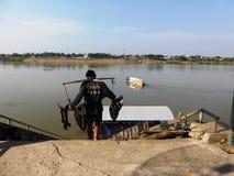 Contrabando de Mekong de Tailândia a Laos Foto de Stock Royalty Free