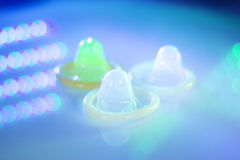 Contraceptif en caoutchouc de préservatif Photos stock