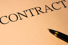 Contract en pen Stock Afbeelding