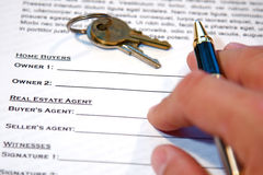 Contract of Home Sale Royalty Free Stock Photos