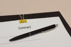 Contract with pen Royalty Free Stock Photos
