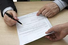 Contract signature Royalty Free Stock Images