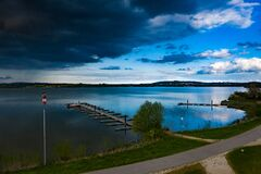 Free Contrary Weather Over Lake Altmühlsee Royalty Free Stock Image - 189037296