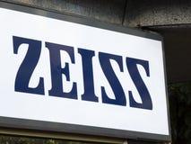 Contrassegno della società tedesca Zeiss immagine stock