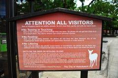 Contrassegno per quanto riguarda i deers su Miyajiama (Giappone) Fotografia Stock