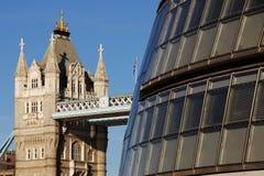 Contraste arquitectónico fotografia de stock royalty free