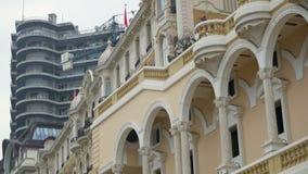 Contraste clásico y moderno de la arquitectura, preservación del patrimonio mundial, historia almacen de metraje de vídeo