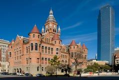 Contraste da arquitetura (Dallas TX) Imagem de Stock