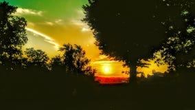 contraste de la puesta del sol fotos de archivo libres de regalías
