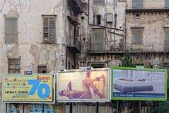 Contraste e consumição - Palermo Fotos de Stock Royalty Free
