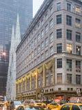 Contrastes modernes dans NYC Photographie stock libre de droits