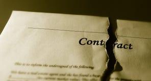 Contrat déchiré Photos stock