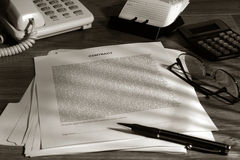 Contrat permissible prêt à être signé Image libre de droits
