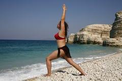 Contratan a la muchacha a yoga Foto de archivo