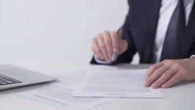Contrato da leitura do presidente da empresa, acordo de cooperação importante de assinatura video estoque