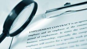Contrato de empleo Imágenes de archivo libres de regalías