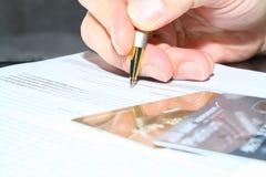 Contrato de firma. Firma Imagen de archivo libre de regalías