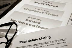 Contrato de lista dos bens imobiliários Foto de Stock Royalty Free