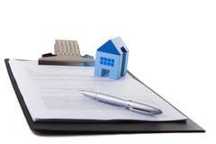 Contrato dos bens imobiliários foto de stock