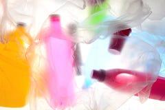 Contre-jour en plastique diffus de déchets image stock