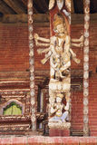 Contrefiche artistique de toit, temple de Changu Narayan, Népal Image libre de droits