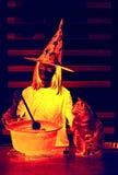 contro i blocchi Halloween completo ha frequentato la scena della zucca della luna della casa Fotografie Stock Libere da Diritti
