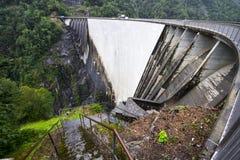 Contro la diga, la Svizzera fotografie stock