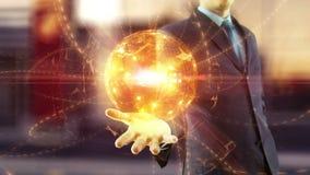 Control del hombre de negocios sobre red digital global de la mano almacen de metraje de vídeo