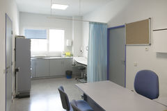 Control y exploración médicos del sitio de la cirugía del hospital Fotografía de archivo libre de regalías