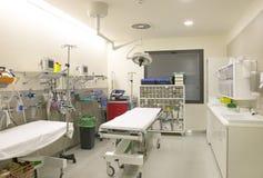 Control y exploración médicos del sitio de la cirugía del hospital Imagen de archivo