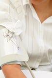 Controlar la presión arterial Fotografía de archivo libre de regalías