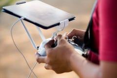 Controlar un abejón remoto del helicóptero Fotografía de archivo