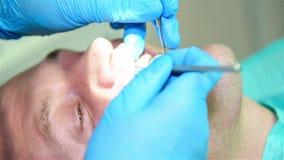 Controle dental paciente vídeos de arquivo