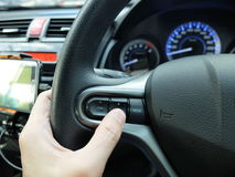 controle las multimedias en coche Foto de archivo libre de regalías