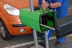 Controle van koplampen van een auto stock afbeelding