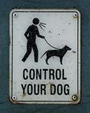 Controleer uw hond zingen royalty-vrije stock fotografie