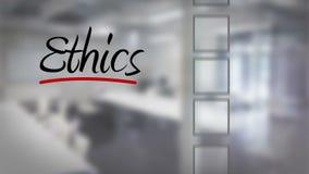 Controlelijst van de zakenman de tikkende ethiek stock video