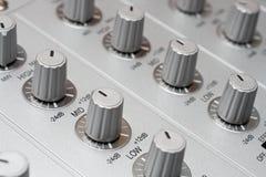 Controles del mezclador de la música de DJ Imágenes de archivo libres de regalías