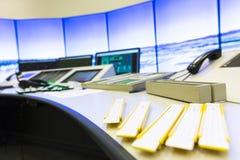 Controller& x27 di autorità di servizi del traffico aereo; scrittorio di s fotografia stock libera da diritti