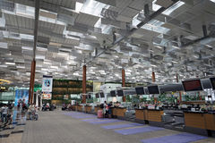 Controlli contro all'aeroporto di Singapore Fotografie Stock