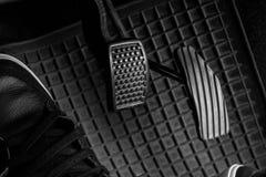 Controlli l'automobile fotografia stock libera da diritti
