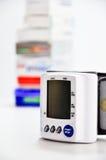 Controlli la pressione sanguigna Immagini Stock