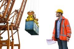 Controllo della dogana che controlla ad un porto commerciale Fotografie Stock