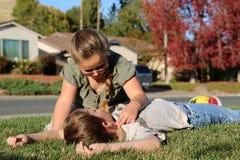 Controllo di impulso di CPR Fotografia Stock