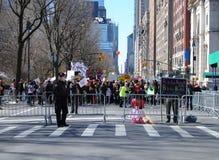 Controllo, marzo per le nostre vite, protesta, violenza armata, NYC, NY, U.S.A. Immagini Stock Libere da Diritti