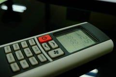 Controlo a distância condicional do ar do botão vermelho e 25 graus Celsius Imagem de Stock Royalty Free